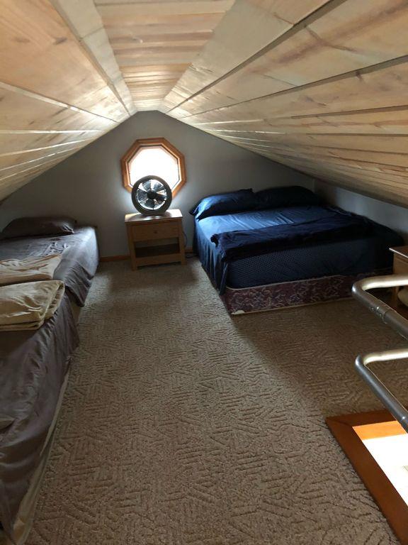 3 Bedroom + Loft, 2 Bath House With Lake Views