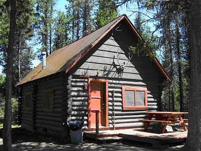 Cabin 9 & 10