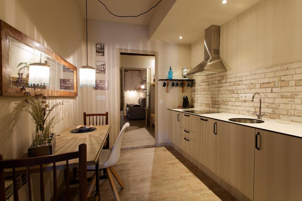 Esparter's apartment