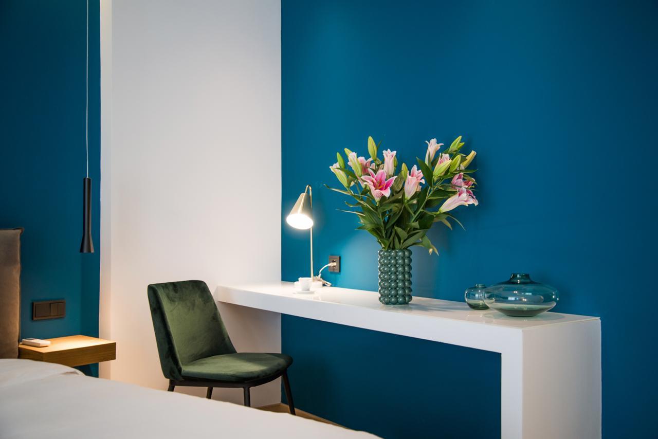 Pinacota Suite 303